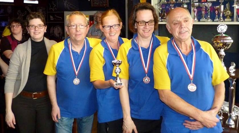3e plaats BC Het Zuiden 3, Dick Harkema, Annemieke Bouwmeester, Annette Kieboom en Luud Heijens.