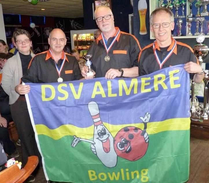 2e plaats DSV Almere 2, Ton van Hooren, Cor Snijder en Ger Kruiswijk. Jaap Fictoor hoort er ook bij, maar moest weg.